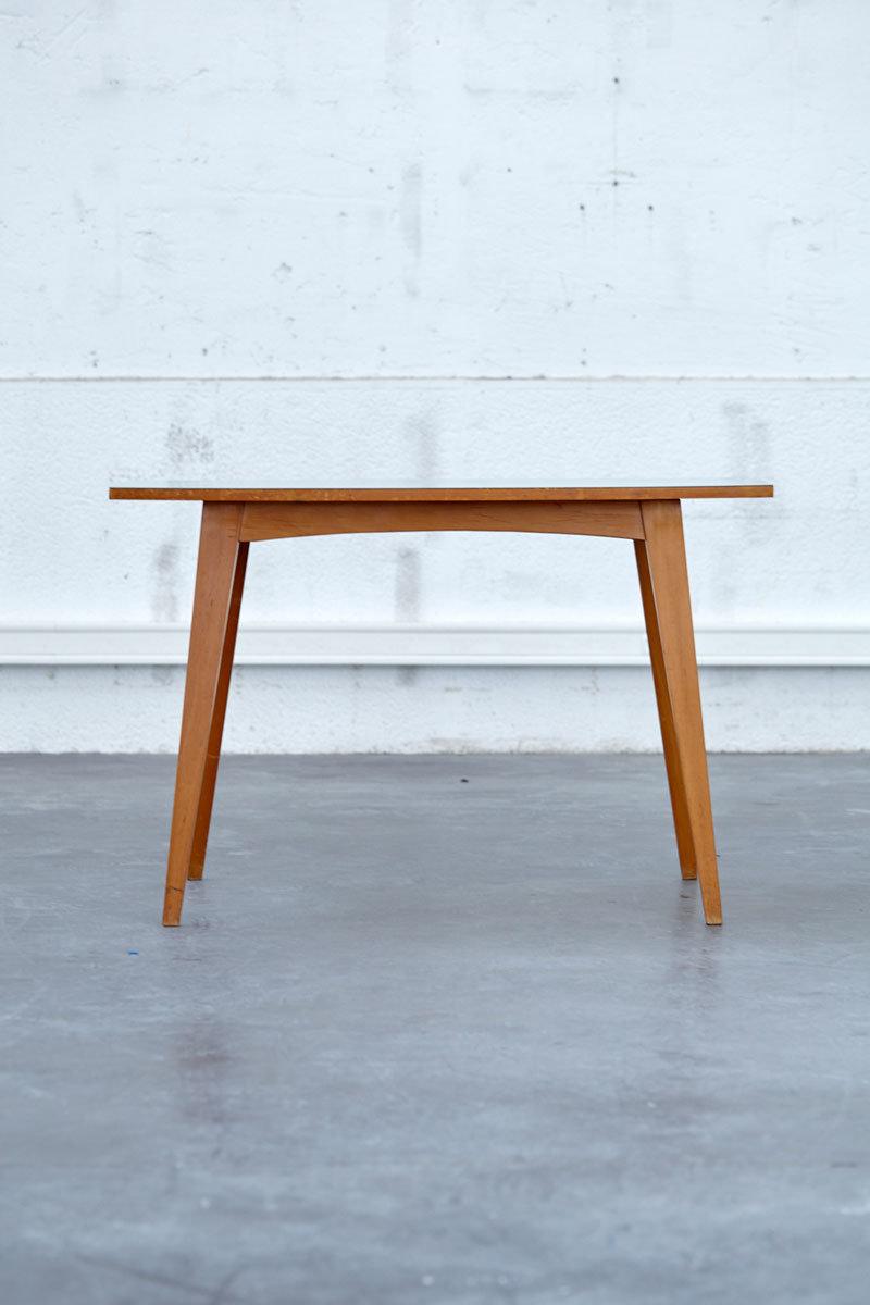 Table Basse En Formica pieds compas