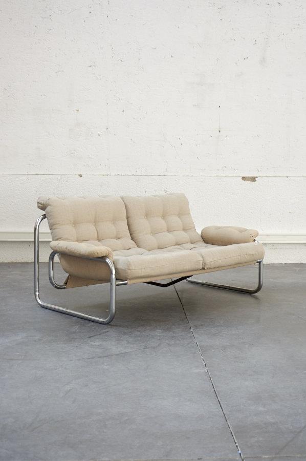 canapé chrome design tissu lin retro vintage boutique mobilier vintage pop up store concept store lyon canapé assise fauteuil chaise