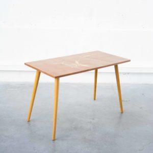 mobilier vintage table vintage scandinave pieds enffilés