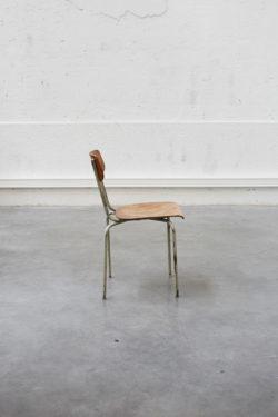 chaise d'école industrielle