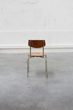 Chaise d'école pays de l'est