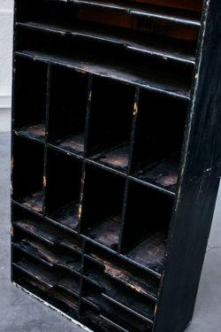 Meuble de tri industriel en bois