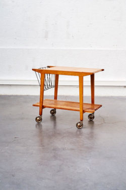 trolley desserte bois scandinave retro vintage pieds compas teck scandinavian furnitures french furniture brocante mobilier boutique vintage lyon pop up store concept store home tendances