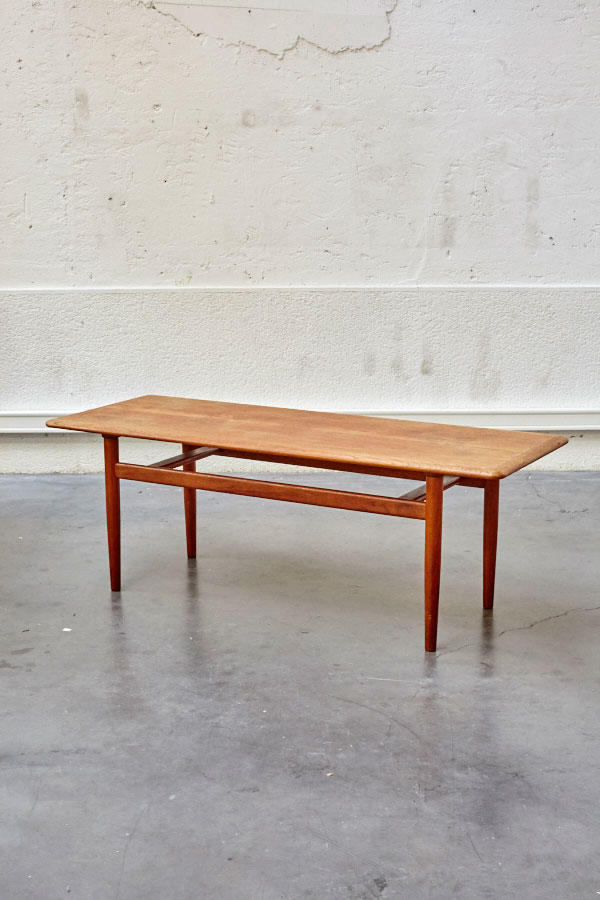 Table basse scandinave pieds compas for Pied table basse scandinave