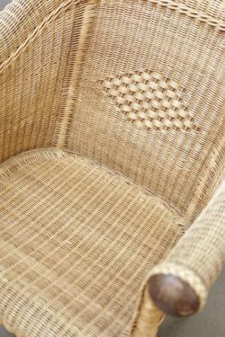 banquette en rotin fauteuil en rotin vintagebanc vintage mini enfilade vintage meuble bas télé mobilier vintage mobilier scandinave pieds compas décoration vintage chaise tapiovaara chevet vintage lampadaire industriel