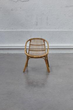fauteuil en rotin vintagebanc vintage mini enfilade vintage meuble bas télé mobilier vintage mobilier scandinave pieds compas décoration vintage chaise tapiovaara chevet vintage lampadaire industriel