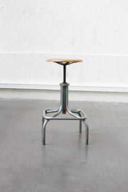 tabouret heliolithe tabouret industriel fauteuil scandinave bertoia tapiovaara fauteuil vintage chaise vintage canapé vintage string