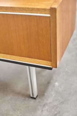 Meuble bas détail skaï vintage mobilier scandinave