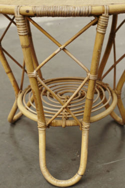 table basse en rotin vintage mobilier scandinave