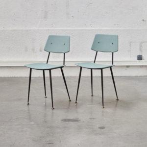 chaise bleue vintage mobilier pieds compas bistrot scandinave