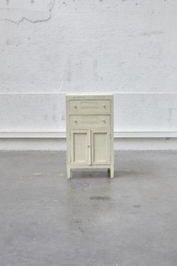 Petit meuble d'appoint blanc rustique mobilier vintage pieds compas style scandinave