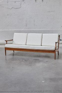 canapé scandinave, commode vintage, commode pieds compas , commode scandinave, chaise tapiovaara, lampadaire vintage, fauteuil vintage, bertoia, guariche