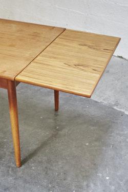 Table scandinave mobilier vintage pieds compas décoration design furniture
