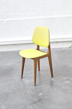 Chaise colorée scandinave jaune mobilier vintage pieds compas décoration