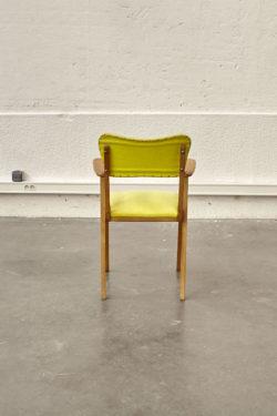 Chaise colorée scandinave jaune mobilier vintage pieds compas décoration bridge