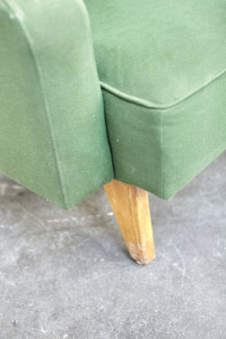 canape vert francais design brocante deco home deco maison et objet tendances années 50 60 vintage retro pop up store concept store lyon scandinave banquette