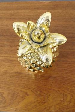 ananas doré décoration objet déco vintage mobilier pieds compas