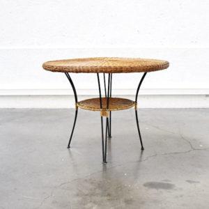 fauteuil vintage fauteuil en velours chaise tapiovaara chaise d'école vintage commode années 50 fauteuil en rotin armoire parisienne table de ferme