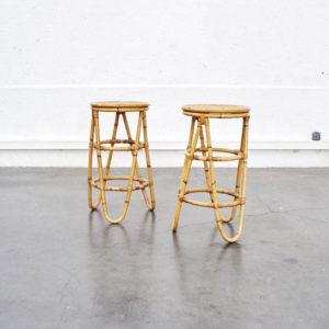 Tabouret de bar vintage en rotin et bambou mobilier pieds compas enfilade design furniture home déco
