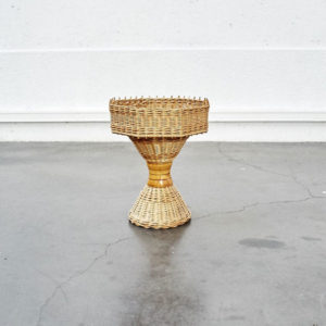 Jardinière en rotin vintage mobilier pieds compas enfilade scandinave design furniture déco home