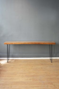 table basse vintage, tapiovaara, lampadaire vintage, commode pieds compas, fauteuil en rotin, table de ferme, enfilade, table bistrot, chaise bistrot, fauteuil scandinave, chevet vintage