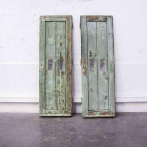persiennes anciennes pieds compas mobilier vintage brocante Lyon décoration déco enfilade scandinave chevet années 50 table bistrot chaise d'école