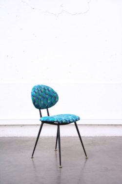 chaise vintage pieds compas brocante enfilade scandinave table bistro chaise d'école