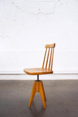 chaise de piano vintage mobilier pieds compas enfilade scandinave table bistro chaise d'école