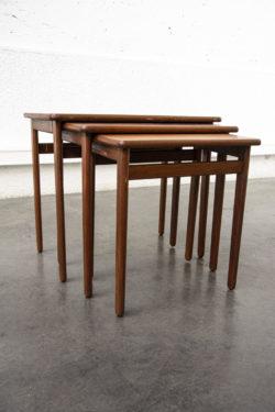 TABLE GIGOGNES SCANDINAVES PIEDS COMPAS MOBILIER VINTAGE BROCANTE TABLE BISTROT CHAISE D'ECOLE ENFILADE DESIGN