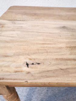 table bois bistrot ferme brocante chene pieds tournes chaises fibre de verre vintage retro design chaises ecole lyon vintage mobilier ameublement decoration pieds compas couleurs plastique