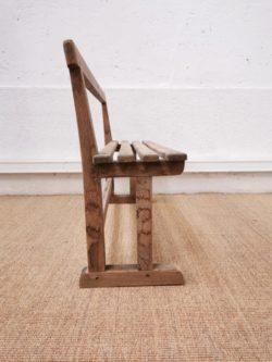 table industrielle, chaise bistrot, chaise baumann, fauteuil en rotin, bibliote, commode pieds compas, chevet vintage, table de ferme, enfilade, fauteuil vintage, rotin