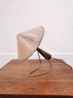 fauteuil vintage, table vintage, chaise vintage, tapiovaara, chaise bistrot, table de ferme, enfilade, lampadaire vintage, miroir ancien, rotin, fauteuil en rotin, table en rotin, commode jiroutek, rocking chair vintage, rocking chair en rotin