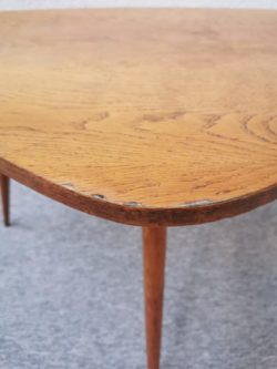 fauteuil vintage, table vintage, chaise vintage, tapiovaara, chaise bistrot, table de ferme, enfilade, lampadaire vintage, miroir ancien, rotin, fauteuil en rotin, table en rotin, commode jiroutek, rocking chair vintage, rocking chair en rotin, table tripode