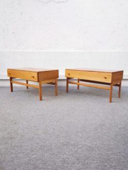 commode jiroutek, commode vintage, mobilier vintage, table de ferme, enfilade, rotin, fauteuil en rotin, chaise bistrot, table vintage