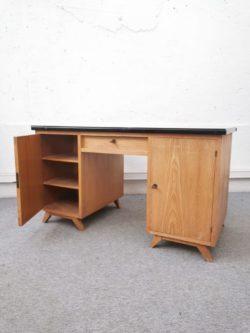bureau vintage, enfilade, rotin, chaise en rotin, chaise bistrot, table vintage, table de ferme, meubles mado, buffet de campagne, brocante