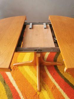 commode vintage, enfilade, table de ferme, bibliothèque vintage, rotin, fauteuil en rotin, secrétaire vintage, paravent en rotin, lampadaire vintage, bureau vintage, table baumann