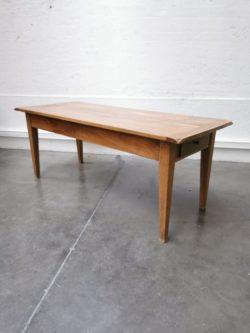 table de ferme, enfilade, meuble de métier, mobilier vintage, brocante en ligne, commode pieds compas, rotin, fauteuil en rotin