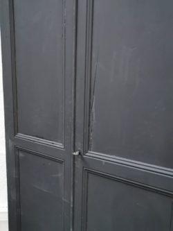 armoire parisienne, mobilier vintage, enfilade, rotin, fauteuil en rotin , table basse scandinave