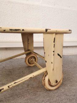 chiffonnier pieds compas, commode pieds compas, commode vintage, enfilade, table de ferme, table de campagne, rotin, fauteuil en rotin, table basse vintage
