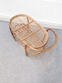 chaises scoubidou, chaise vintage, enfilade, table de ferme, chaise bistrot, rotin, chaise en rotin, fauteuil en rotin, commode en rotin, lampadaire vintage