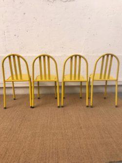 fauteuil en cannage et bambou, fauteuil rotin, rotin vintage, enfilade, table de ferme, table de campagne, lampadaire vintage, lit en rotin, tapiovaara, tolix