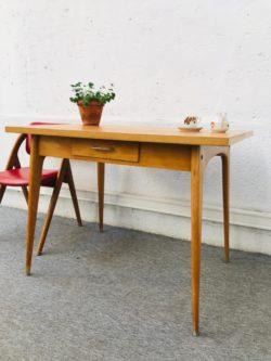 table vintage, bureau vintage, enfilade, table de ferme, buffet de campagne, tolix, tapiovaara, ercol, commode vintage, rotin vintage